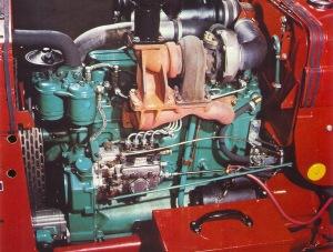 76Volvo700moottori