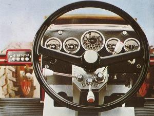 76Zetor8011ohjaamo