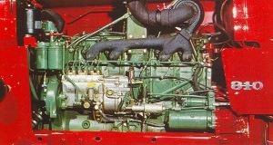 72Volvo810moottori