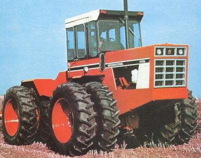4386:n kuutoskoneen teho oli nyt 234 hv ja 4586:n V8:ssa oli tehoa 300 hv.  Vaihteisto oli entinen 10+2, mutta ainakin Euroopassa